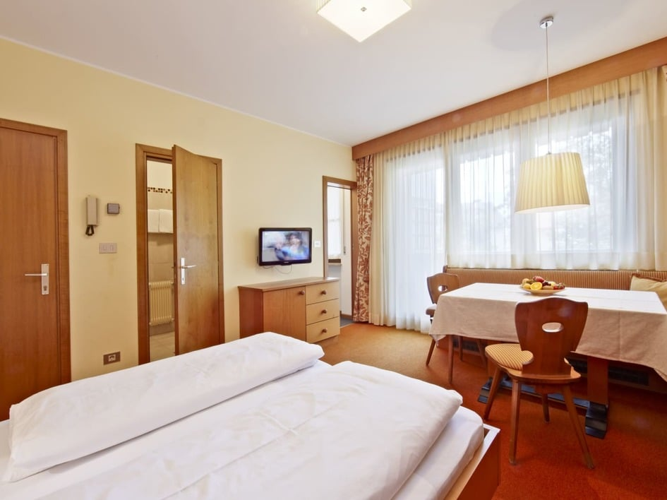1-room-app. Apple Merano
